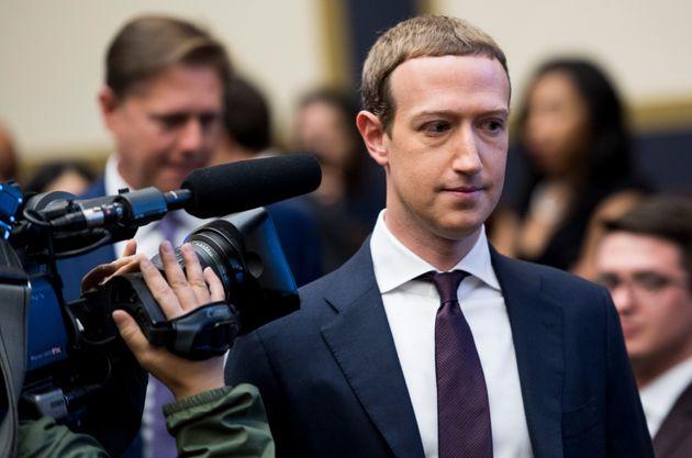 """Elezioni Usa 2020: Facebook imporrà il """"silenzio elettorale"""""""